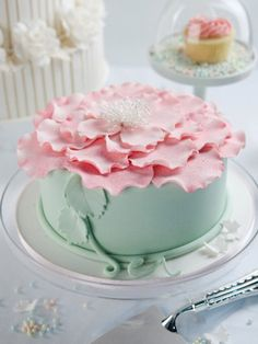 how to: full bloom cake by Jade Lipton