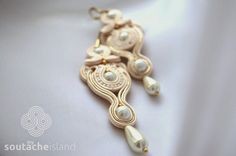 Bridal soutache ecru, beige, gold end white earrings with pearls