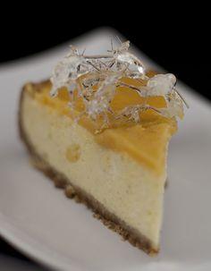 Vanilla cheescake with lemon curd topping.Waniliowy sernik z lemon curd.