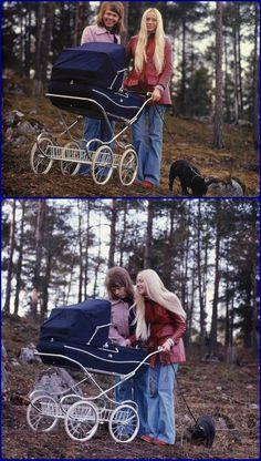Bjorn & Agnetha with newborn Linda Elin Ulvaeus in 1973 Vintage Stroller, Vintage Pram, T Baby, Baby Bibs, Pram Stroller, Baby Strollers, Mothercare Prams, 3 Years Old Baby, Prams And Pushchairs