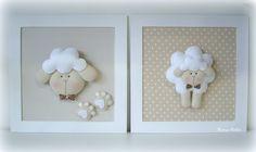 Quadro . Ovelha (30x30) Felt Diy, Felt Crafts, Diy And Crafts, Decorating Toddler Girls Room, Baby Sheep, Baby Frame, Felt Wreath, Baby Bedroom, Felt Christmas