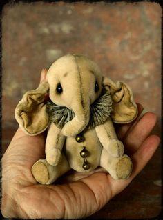 Artist Teddy Elephant  OOAK-Teddy Bear-Teddy by NadyaBears on Etsy