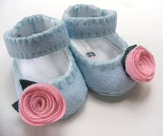 Baby Shoes  True Blue with Pink Rosettes by ShesSoCraftyGoods1, $28.00