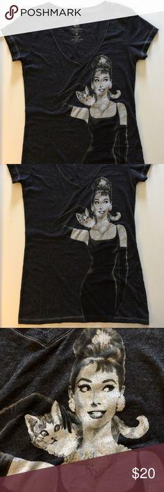 "Breakfast at Tiffanys top M shirt Audrey Hepburn Size M heathered black.  M.  26"" long. 16"" -across quality merchandise  Tops Tees - Short Sleeve"