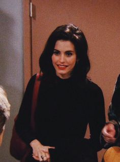 courteney cox outfits best outfits - Page 7 of 100 - Celebrity Style and Fashion Trends Friends Tv Show, Friends Cast, Friends Moments, Friends Forever, Courtney Cox, Phoebe Buffay, Ross Geller, Rachel Green, Chandler Bing