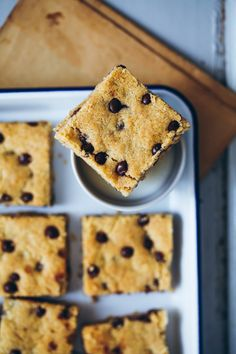 Rezept für Chocolate Chip Cookie Bars mit Haferflocken oat bars gooey cookies foodstyling cookie squares food photography zuckerzimtundliebe foodblog backblog baking backrezept kekse backen schokoladencookies