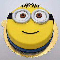 We provide you kids cake, minion theme cake, fondant cakes, designer kids cake and many more type of kids cake delivery at your doorstep. Torta Minion, Bolo Minion, Minion Cupcakes, Cake Minion, Minion Cake Design, Lego Cake, Minecraft Cake, Minion Theme, Minion Birthday