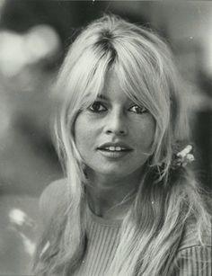 Brigitte Bardot, portrait - Tirage argentique vintage - PHOTO MEMORY