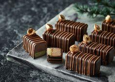 Christmas Snacks, Christmas Cooking, Christmas Candy, Homemade Chocolate, Chocolate Recipes, Beautiful Cakes, Amazing Cakes, Chocolate World, Danish Food