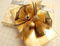 Christmas & Holiday Gift Wrapping