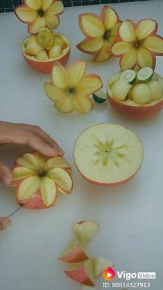 Easy Food Art, Amazing Food Art, Food Art For Kids, Creative Food Art, Diy Food, Fruit Platter Designs, Food Sculpture, Fruit Sculptures, Fruit And Vegetable Carving