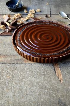 No-bake caramel walnut chocolate tart | Desserts recipe
