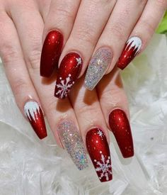 The Cutest and Festive Christmas Nail Designs for Celebration Beautiful snowflake red Christmas nails with an accent glitter nail! Chistmas Nails, Xmas Nail Art, Cute Christmas Nails, Holiday Nail Art, Christmas Nail Art Designs, Christmas Christmas, Christmas Acrylic Nails, Natural Christmas, Holiday Mood