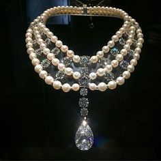 Cartier Diamond and Pearl necklace Pearl Jewelry, Bridal Jewelry, Diamond Jewelry, Pearl Necklace, Vintage Jewelry, Fine Jewelry, Jewellery, Cartier Necklace, Jewelry Accessories