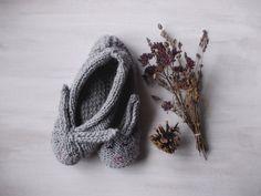 Grey #bunny slippers de Pracownia Uroczysko sur DaWanda.com