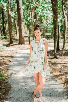 Mint floral dress. #summer #fashion