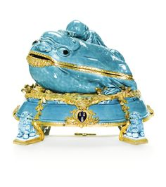 A French gilt-bronze mounted turquoise-glazed Chinese porcelain toad and Liu Hai pot-pourri the porcelain Qing dynasty, Kangxi period (1662-1722), the mounts 19th century 25cm.