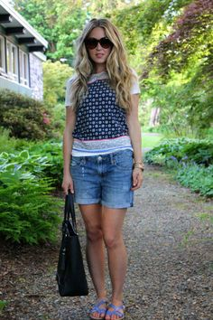 Laid back style in a printed tee and  t-strap sandals.    Source: http://www.afashionloveaffair.com/posts/laid-back-1.html
