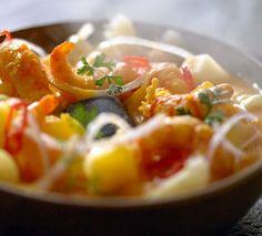 Cebiche de camarones a la piedra  Ingredientes:  2 cucharadas de aceite de oliva 2 cucharadas de aderezo de cebolla una cucharada de pasta