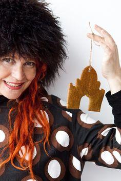 """Go Retro, Rye & Gingerbread!"" – Peppered Rye Gingerbread palaces, for the Christmas tree? Just have some hemp string handy! (Vintage Marimekko dress, ""Sirkus"", of ""Petrooli"" pattern designed by Annika Rimala in 1963; Photo: Sininen Kuva, Sipoo FIN) ⎮ recyclie.blogspot.fi"
