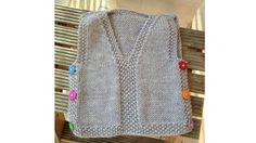 Con l'arrivo della primavera un bel gilet di lana alla moda è proprio quello che ci vuole. Il neonato avrà pancina e spalle al caldo