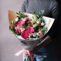 """""""БУКЕТ ДНЯ"""" 2 ноября 2017 г. со скидкой 50%!!! Мы раскрыли рецепт хорошего настроения Нужно взять немного розовых красок, воздушную орхидею, расставить акценты и уложить все в красивую упаковку Кому цветочного настроения? С любовью, Fashion FLowers Стоимость со скидкой: 2050 рублей Стоимость без скидки: 4100 рублей Состав букета: Роза Мария Тереза 3 шт. (320 рубшт) Роза куст. Свит Сара 4 шт. (200 рубшт) Роза куст. Прана 3 шт (200 рубшт) Орхидея цимбидиум 2 шт. (150 рубшт) Гиперикум Коко"""