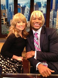 live with kelly and michael images   ... Obama's new look on Jan. 18. (Photo: Live with Kelly and Michael