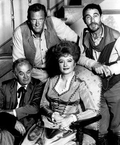 Gunsmoke - another one of my dad's favorite television shows, and I remember watching this as a very young child. We watched it when it first came out and James Arness was very young, and Chester was Matt's side-kick. Photo Vintage, Vintage Tv, Radios, Miss Kitty, Tv Westerns, Old Shows, Western Movies, Old Western Actors, Classic Tv
