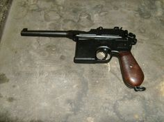 Mauser C96 modell bakelit fogantyú 1001024 Save those thumbs & bucks w/ free shipping on this magloader I purchased mine http://www.amazon.com/shops/raeind   No more leaving the last round out because it is too hard to get in. And you will load them faster and easier, to maximize your shooting enjoyment.