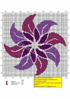 Ponto Cruz Celtic Cross Stitch, Cross Stitch Rose, Simple Cross Stitch, Cross Stitch Flowers, Cross Stitch Charts, Counted Cross Stitch Patterns, Cross Stitch Designs, Cross Stitch Embroidery, Motif Mandala Crochet