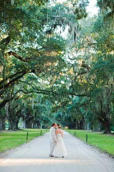 Makes me want to move the wedding to Savannah... South Carolina Plantation Wedding on http://ruffledblog.com