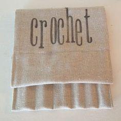 Sewing Barefoot: crochet hook holder