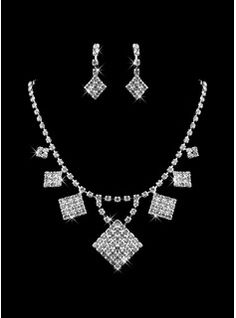Jewelry Ladies Necklace and Earrings Jewelry Set (011009893)