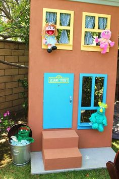 Funky & FUN Sesame Street Birthday Party // Hostess with the Mostess® Sesame Street Party, Sesame Street Birthday, Elmo Birthday, 4th Birthday Parties, Birthday Ideas, Cookie Monster Party, Serpentina, Elmo Party, Party Props