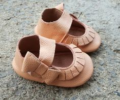 Baby Moccasins Leather Shoes Pink Baby soft sole by BabyBootiez