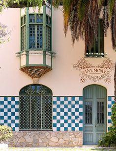 Casa Sastre i Marqués  1905  Architect: Josep Puig i Cadafalch