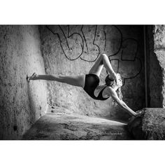 HALEY HUELSMANNEDC/CADC @haleyhuelsmandance Say hello to your foot...Instagram photo | Websta (Webstagram)