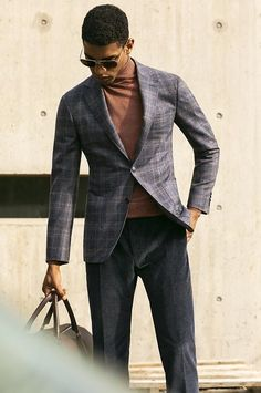 Dressed to impress, models Giacomo Cavalli and Ángelo Gómez star in Canali's fall-winter 2019 campaign. The models don a sartorial wardrobe of sharp suits… Mens Fashion Blazer, Mens Fashion Blog, Men's Fashion, Turtleneck Suit, Men With Street Style, Mens Style Guide, Fine Men, Suit And Tie, Classic Outfits