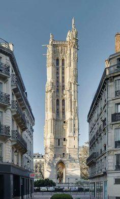 A Paris, la tour Saint-Jacques vue de la rue Nicolas Flamel. Nicolas Flamel, Architecture Parisienne, Paris Architecture, Paris Travel, France Travel, Paris France, Paris Monuments, Tour Saint Jacques, Tower In Paris