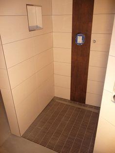 Die Dusche mit Duschfach Bad im OG