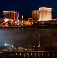 HOTELS AND CASINOS ARE TURNING THEIR LIGHTS OFF FOR EARTH HOUR EVERY MONTH | Earth Hour