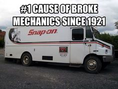 """This is """"So True, it is Unreal"""", If you are not a Mechanic you will never understand this one Car Jokes, Funny Car Memes, Car Humor, Hilarious, Funny Cars, Mechanic Humor, Mechanic Garage, Funny Signs, Funny Photos"""