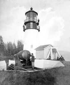After having completed four lighthouses in California, the contractors Gibbons & Kelly of Baltimore, Maryland dispatched the Oriole to Cape Disappointment. On September 18, 1853, after waiting offshore for eight days for conditions to improve, the Oriole attempted to cross the bar and wrecked directly below the cape. The thirty-seven-man crew narrowly escaped with their lives, but both the vessel and all building supplies on board were lost. Two years later construction finally got underway.