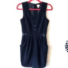 H&M Simple Black Dress This gorgeous simple black dress is perfect and comes WITH POCKETS! Flower patterned lace surrounds the collar. Only worn twice. Good as new! H&M Dresses Midi