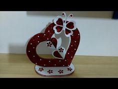 Lolly Stick Craft, Craft Stick Crafts, Diy And Crafts, Jute Crafts, Foam Crafts, Paper Crafts, Valentine Decorations, Valentine Crafts, Flower Decorations