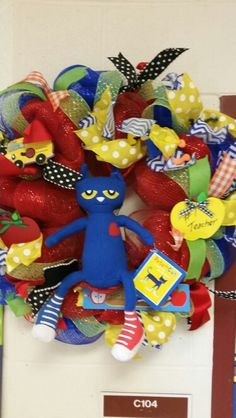 Pete the cat wreath