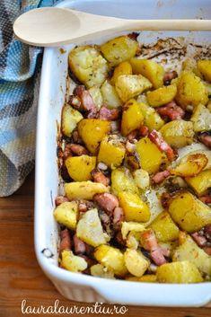 Cartofi la cuptor cu bacon și ceapă-rețetă rapidă.Cartofi la cuptor cu bacon și ceapă, o mâncare sau o garnitură gustoasă. Cartofi la cuptor cu bacon si ceapa.