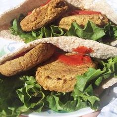 Baked Falafel - I like that these are baked and not fried. This is a great filling meatless meal. ✫✫✫