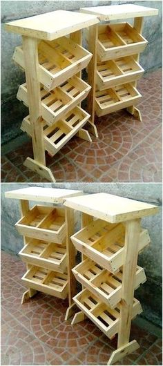 Wood Pallets pallet display stand - Are you a beginner in woodworking? Discover here the 25 Easiest Woodworking Projects For Beginners. It will teach you the value simple design. Wooden Pallet Projects, Wooden Pallet Furniture, Wooden Wall Decor, Pallet Crafts, Wooden Pallets, Diy Furniture, Diy Projects, Pallet Ideas, Project Ideas