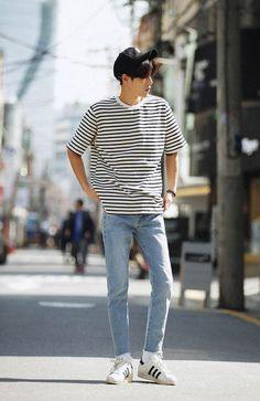 Best Summer Casual Men's Outfit Ideas Look Cool - fashion thisday Korean Fashion Styles, Korean Fashion Winter, Teen Boy Fashion, Kpop Fashion, Jeans Fashion, Fashion Outfits, Fashion 2017, Fashion Shoes, Korean Streetwear